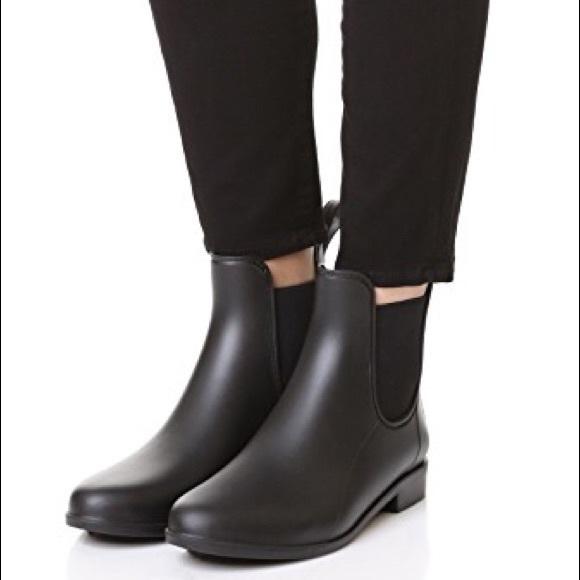 sam edelman black rain boots